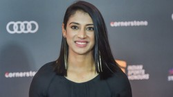 Ipl 2020 Smriti Mandhana Names The Cricketers She Support In This Season The List Includes Ms Dhoni