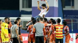 Fc Goa Held Hyderabad To Earn Play Off Ticket And Mumbai City Wins League Winners Shield
