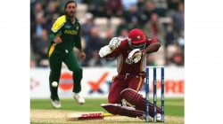 Shoaib Akhtar Did That To Me Darren Sammy Opens Up About Pak Pacer S Bouncer To Brian Lara