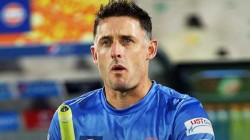 Csk S Batting Coach Michael Hussey To Remain In India After His Test Result Positive Again