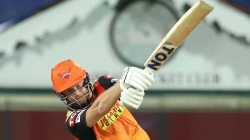 IPL 2021: വിക്കറ്റ് 'ദാനം ചെയ്ത്' ബെയര്സ്റ്റോ, നാലില് മൂന്നും എസ്ആര്എച്ചുകാര്!