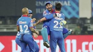 IPL 2021: ഡല്ഹി നിലനിര്ത്തുക ആരെയൊക്കെ? അഞ്ച് പേരെ തിരഞ്ഞെടുത്ത് ആകാശ് ചോപ്ര