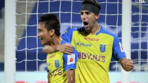 ISL 2020-21: ഇഞ്ചുറിടൈം ഗോളില് ബ്ലാസ്റ്റേഴ്സ് നേടി, ബെംഗളൂരുവിനെ വീഴ്ത്തി